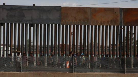 Yuma, Ariz., at breaking point over asylum seekers, officials say