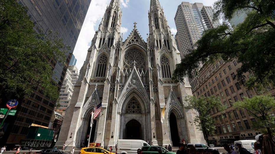 Man arrested trying to bring gas cans into Saint Patrick's Cathedral in NYC