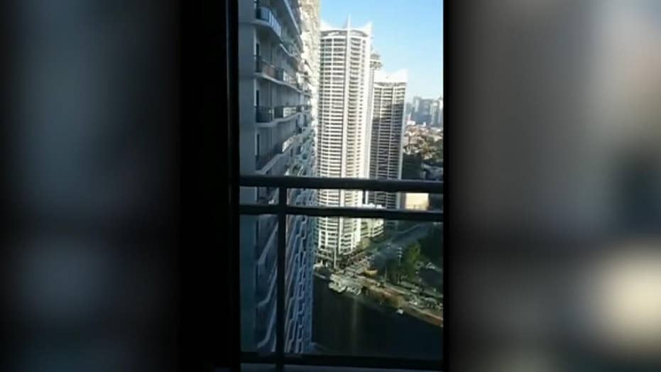 Earthquake causes buildings to sway in the Philippines