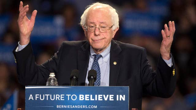 Sen. Sanders holds rally in Iowa thumbnail