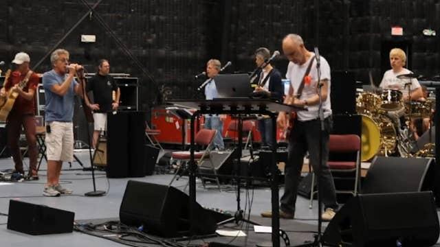 The Who hit the road; Kristin Cavallari checks in