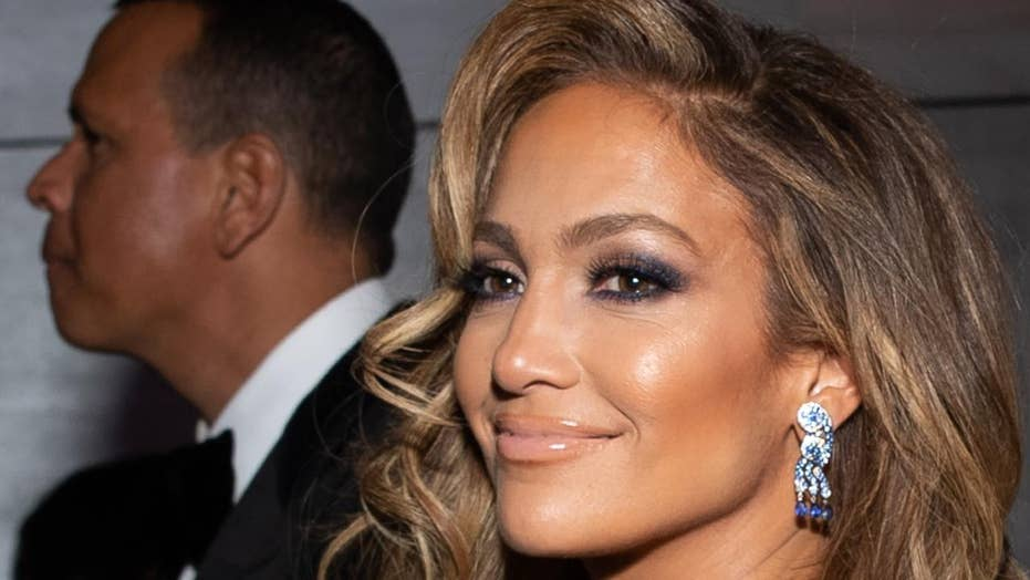 Get the Look: Jennifer Lopez's radiant skin