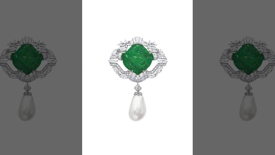 Rare royal 30-carat Ana Maria pearl brooch set for auction