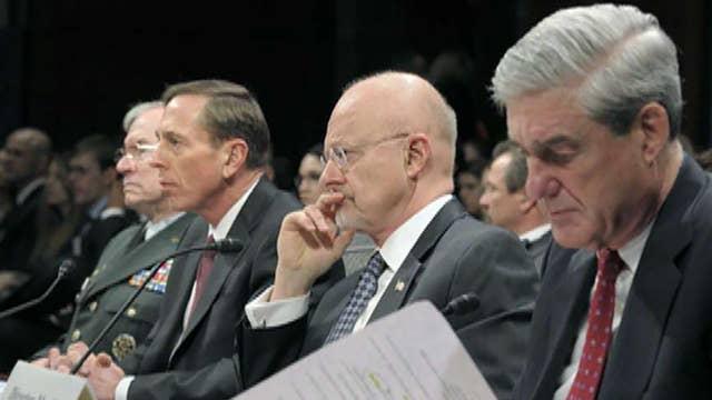 Former CIA Director David Petraeus calls Robert Mueller an 'extraordinary American'