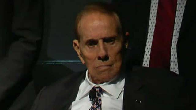WWII Foundation honors former Sen. Bob Dole