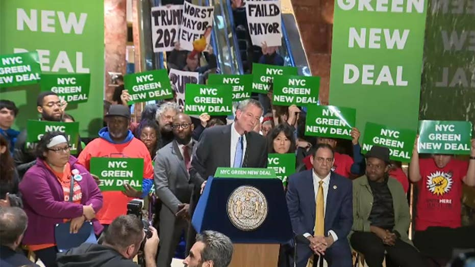 Mayor de Blasio holds rally inside Trump Tower to promote NYC's Green New Deal