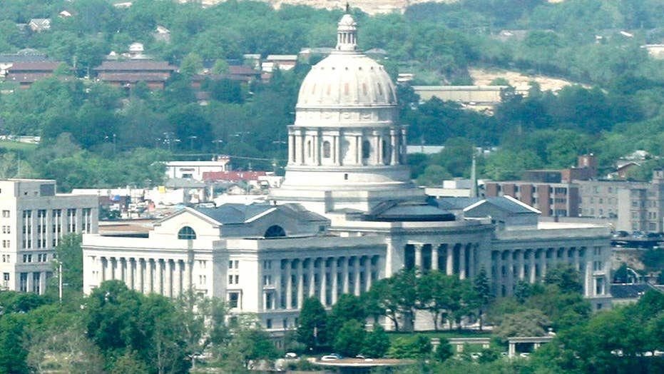 Missouri Senate advances bill to ban abortions in the state