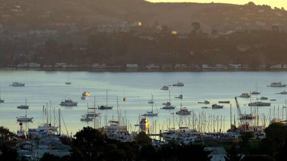 California homeless start living on makeshift boats