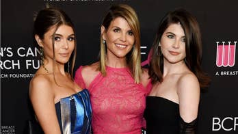 Lori Loughlin, Mossimo Giannulli's daughters not kicked out of USC sorority, chapter rep says
