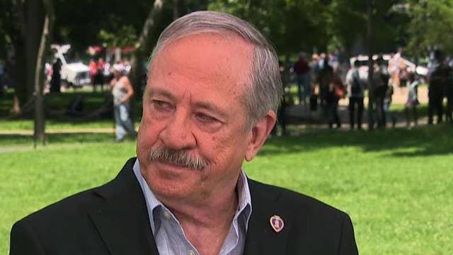 Founder of Vietnam Veterans Memorial Fund remembers his fallen friends