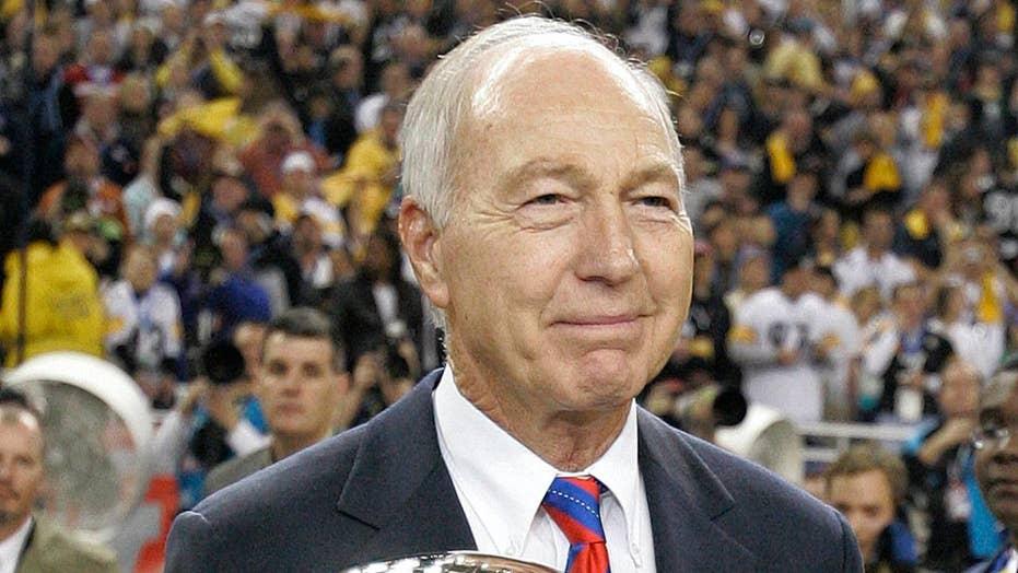 Hall of Fame NFL quarterback Bart Starr dead at 85