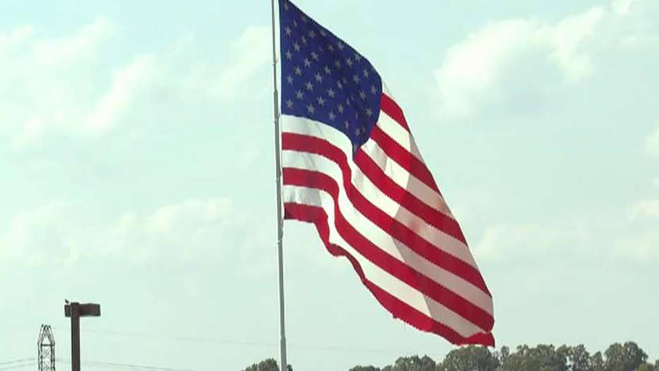 American Rv Company >> Free To Fly The Big Flag North Carolina City Considers Rule Change