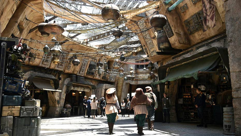 Inside look at Disney's new Star Wars: Galaxy's Edge attraction
