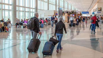 The two types of travelers: Early and late