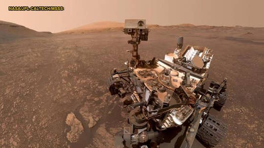 Mars could have saltwater puddles, but they're likely too cold to support life, study suggests