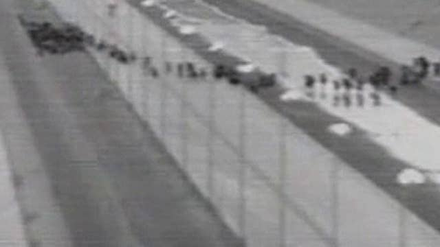 Raw video: Over a thousand migrants caught crossing border near El Paso, Texas