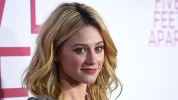 'Riverdale' star Lili Reinhart warns fans about rideshare imposters after scary airport incident
