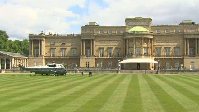 President Trump, first lady participate in arrival ceremony at Buckingham Palace