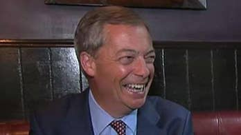 Nigel Farage reacts to anti-Trump protests in London