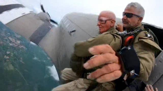 97-year-old US veteran parachutes in D-Day ceremony thumbnail