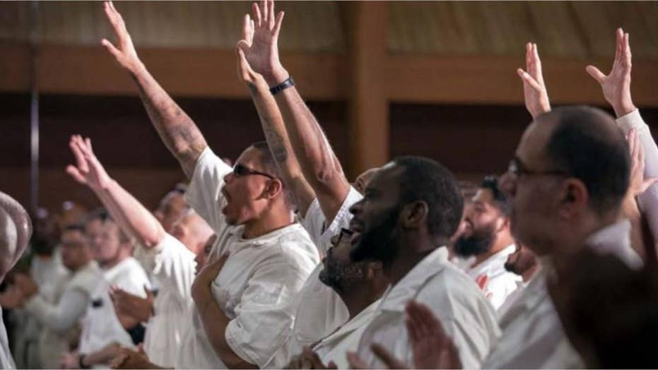 Rival gang members put aside violent past to get baptized together in Texas prison