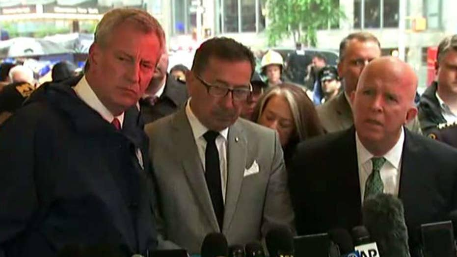 New York City Mayor Bill de Blasio says helicopter crash could have been much worse, praises first responders