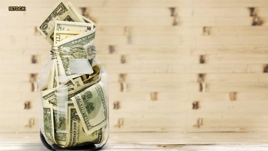 Greedy bridezilla allegedly steals bartender's tip jar for honeymoon