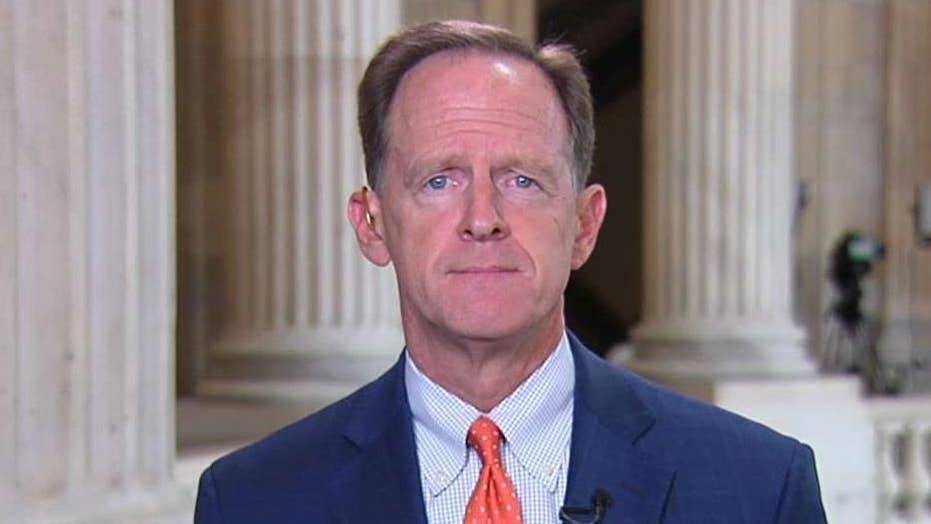 Sen. Pat Toomey reintroduces 'Stop Dangerous Sanctuary Cities Act'
