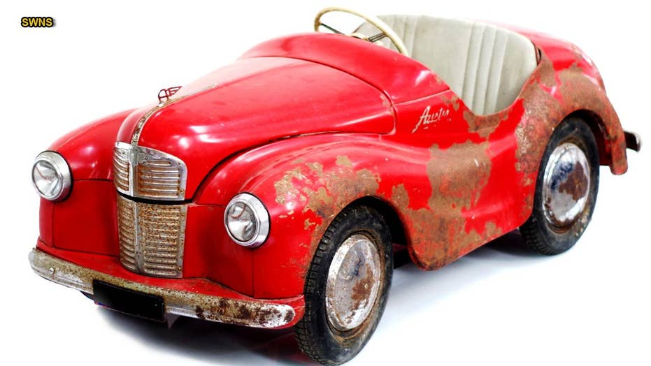 'Barn find' toy car sells for thousands at auction