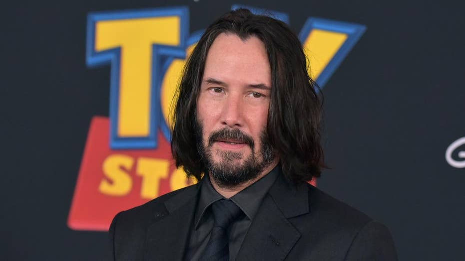 Keanu Reeves being praised as 'respectful king' online