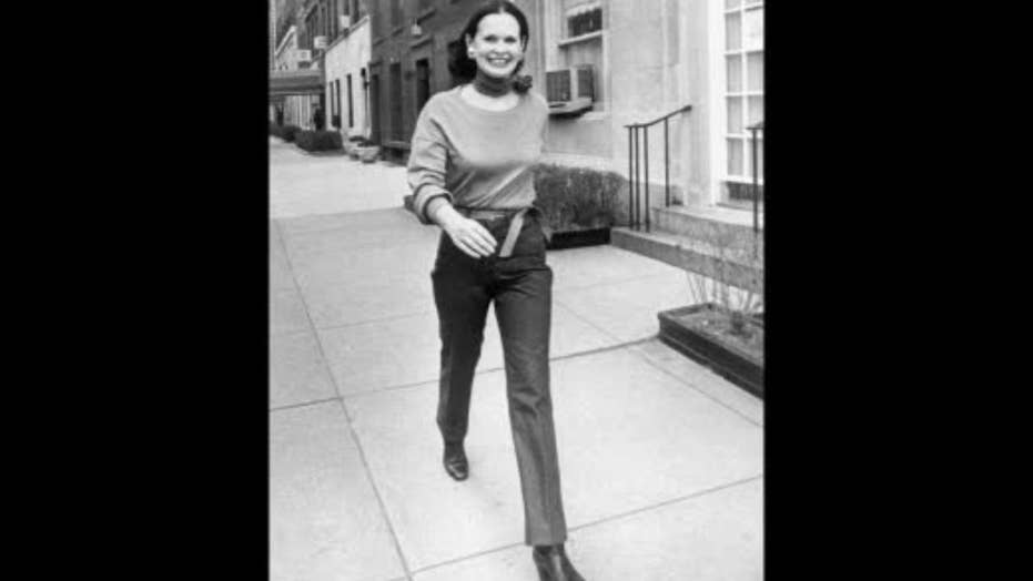 Queen of several trades, Gloria Vanderbilt dies at 95