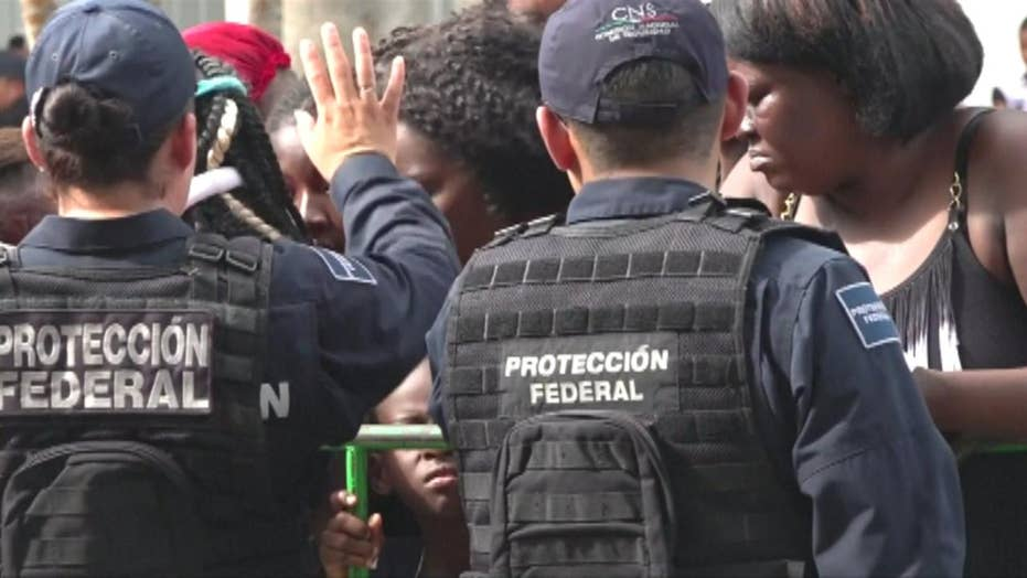 Mexico deporting migrants but papers during checkpoints on Guatemala border