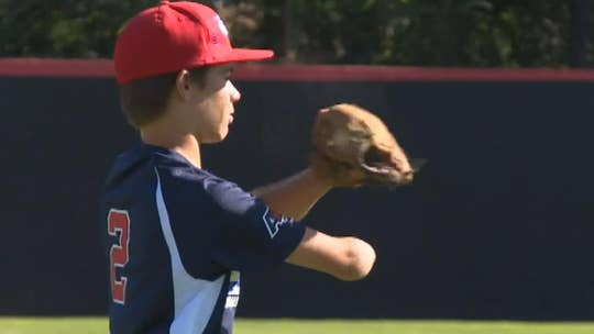 One-handed baseball player, 13, has sights set on majors