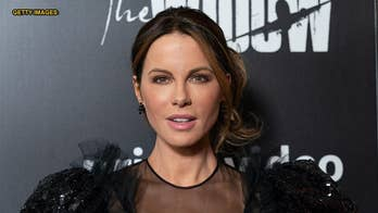 Kate Beckinsale does squats over gym toilet for workout routine
