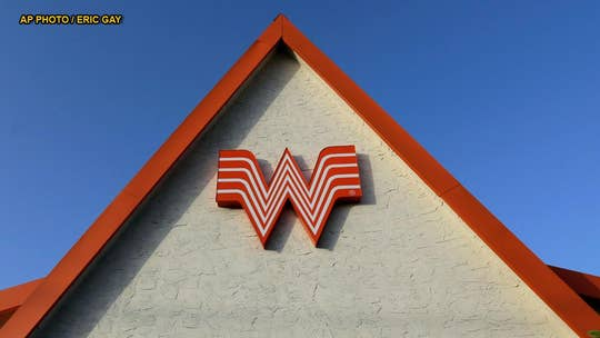 Shirt advertising Whataburger as Chicago hamburger chain prompts backlash