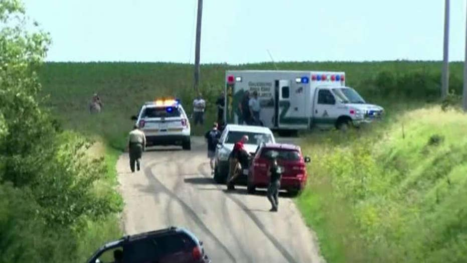 Illinois sheriff's deputy fatally shot while responding to a disturbance call