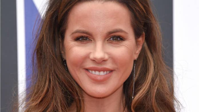 Kate Beckinsale shows off new blonde hair on Instagram
