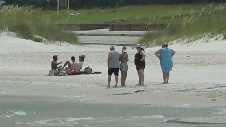 Toxic algae bloom forces Gulf Coast beach closures ahead of 4th of