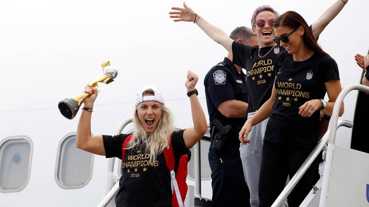 US World Cup win sparks equal pay debate