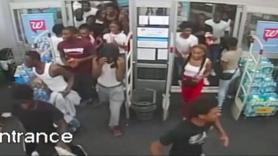 Dramatic video shows dozens looting Philadelphia Walgreens