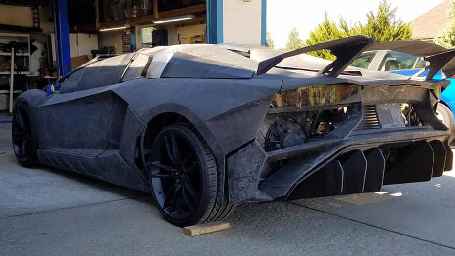 Father and son 3D duplicate their possess Lamborghini