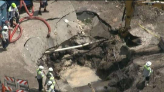 Water main break in Florida leaves hundreds of thousands without water