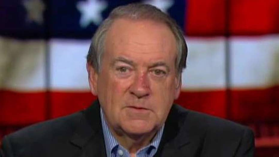 Mike Huckabee defends President Trump: A person doesn't suddenly become a racist at age of 72