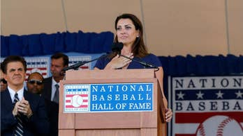 Widow of baseball great Roy Halladay delivers emotional Hall of Fame tribute