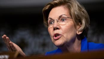 Elizabeth Warren calls Trump a white supremacist