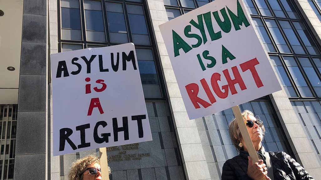 Federal appeals court sides with White House on key asylum issue