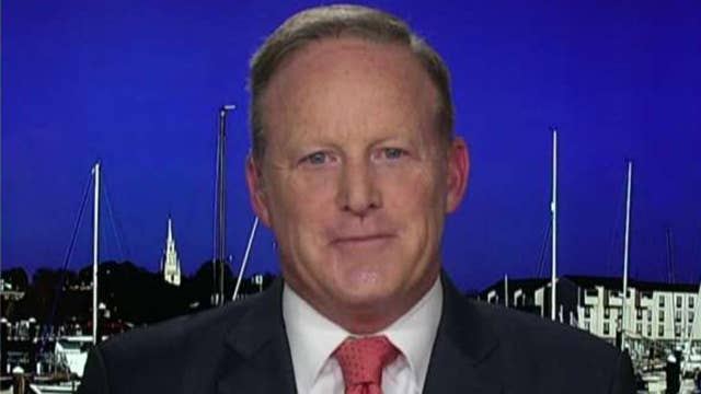 Sean Spicer reacts to Mueller's testimony: The Democrats didn't get what they wanted