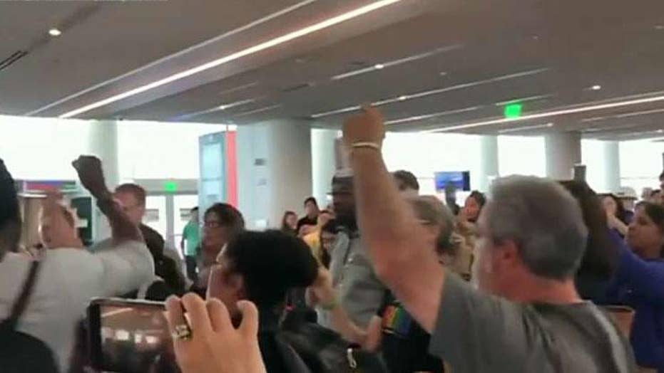 Leftist mob confronts Sen. Ted Cruz at airport