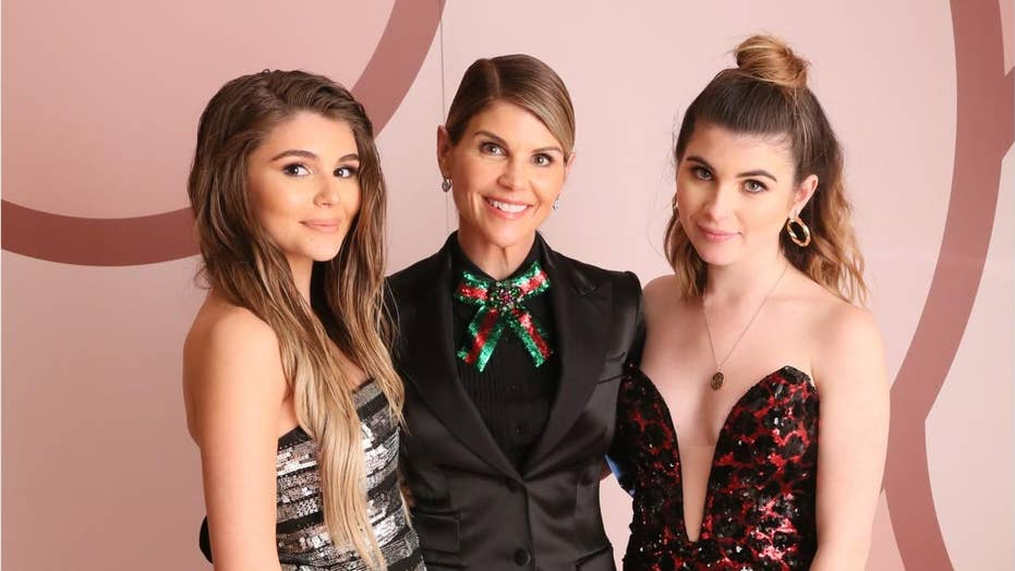 Lori Loughlin, Mossimo Giannulli's daughters not kicked out