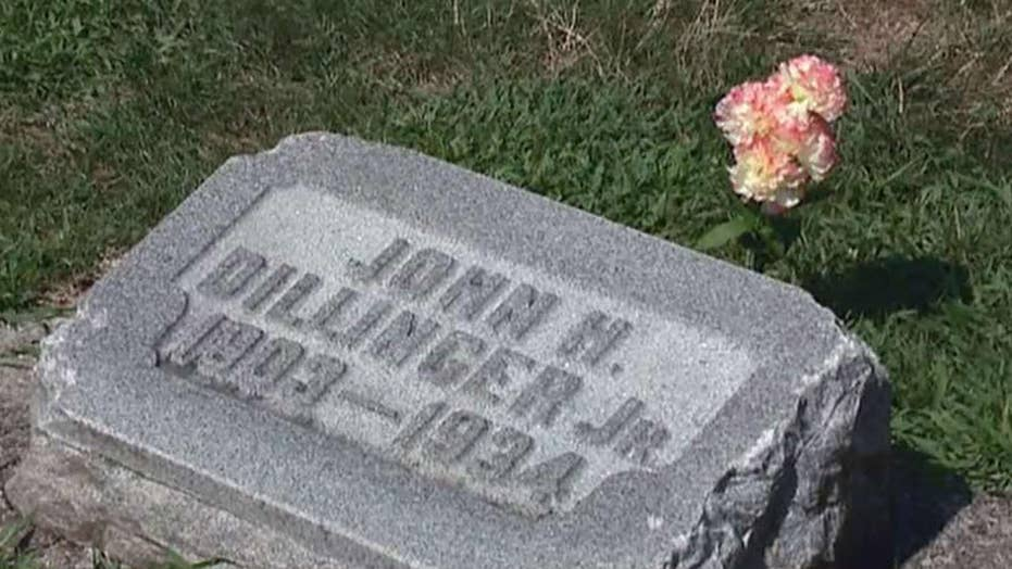 Relatives of John Dillinger to exhume and test body in grave